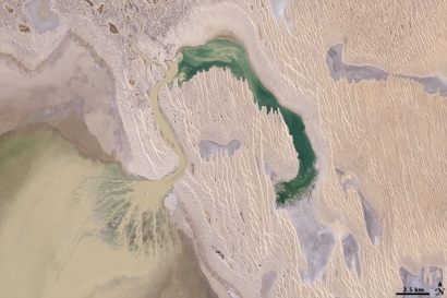 Is your glass half full, or half empty? . . . Lake Eyre, NASA photo.